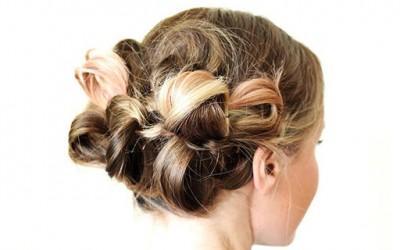 Убава едноставна фризура за посебни прилики