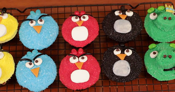 """Angry Birds"" тортички"