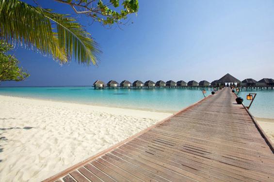 Колку пари трошат познатите за одмор?