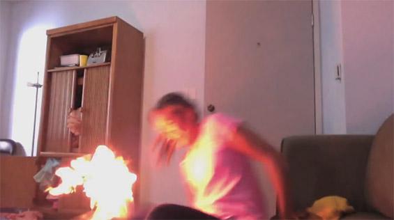 Вистината за видеото во кое девојката се самозапалува танцувајќи