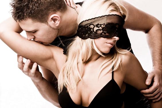 """Жешки секс-совети од """"50 нијанси сиво"""""""