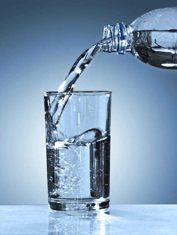 Зошто треба да останете хидрирани преку целата година?