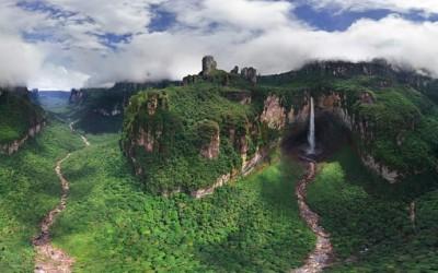 (0) Највисокиот водопад во светот