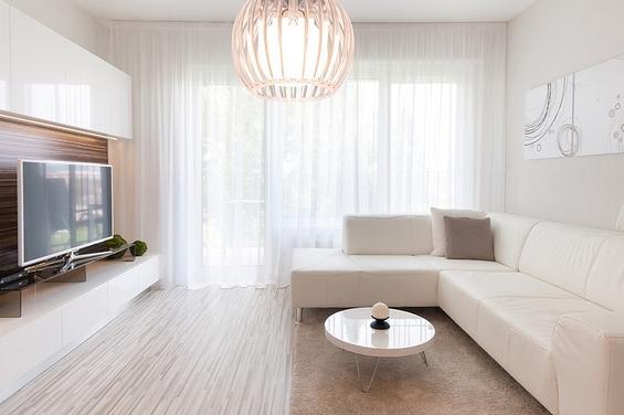 Модерно уреден минималистички стан во Братислава