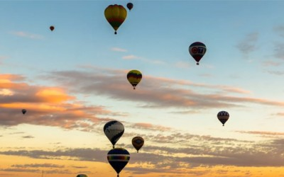 700 балони на топол воздух одлетуваат кон небото