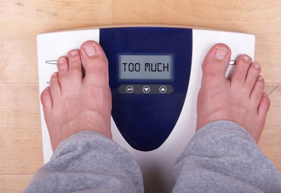 Како да разговарате со близок кој има проблем со прекумерна тежина?