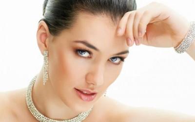 Како правилно да носите накит?