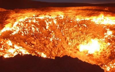 Врата кон пеколот – вулкански кратер кој гори над 40 години