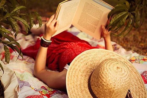 5 вида книги кои ја јакнат интелигенцијата