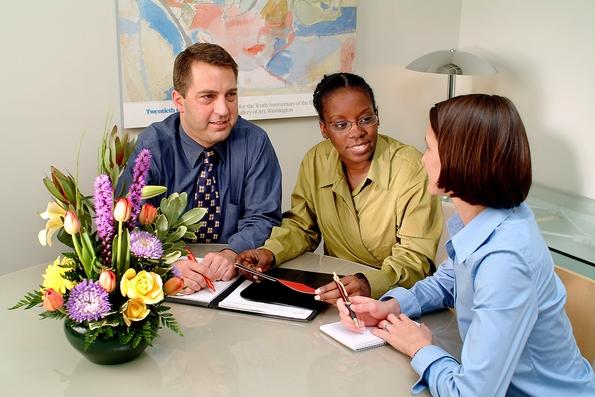 Зошто треба да имате растение во вашата канцеларија?