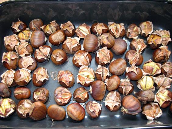 Костени – слатко и здраво есенско задоволство