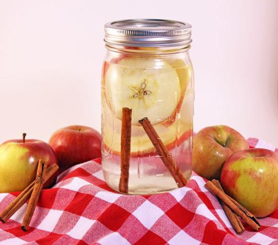 Пијалак од јаболка кој ги топи килограмите