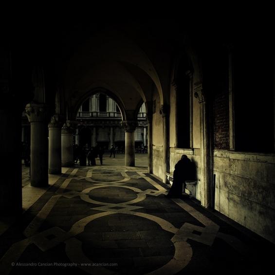 Романтичната Венеција во мрачно издание