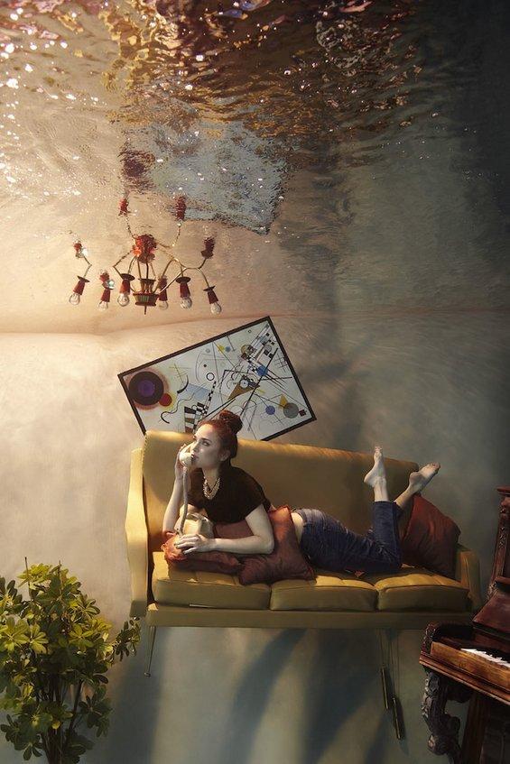 Грациозна фотосесија направена целосно под вода