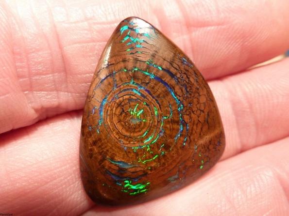 Скапоцен камен од кој ќе ви застане здивот