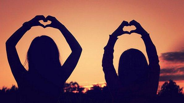 12 цитати кои ја доловуваат суштината на вистинското пријателство