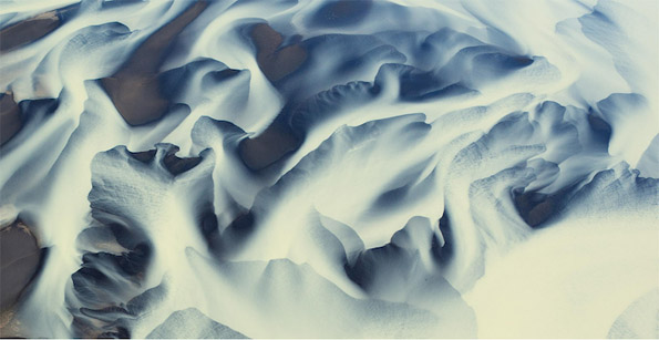 Спектакуларни воздушни фотографии од вулканските реки во Исланд
