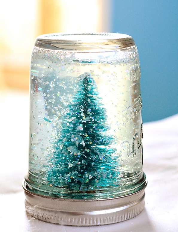 Направете сами: новогодишна снежна кугла од тегла