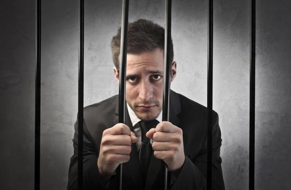 Отишол во затвор за да побегне од жена му