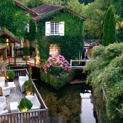 Хотел Лe Мулен ду Рок, Франција