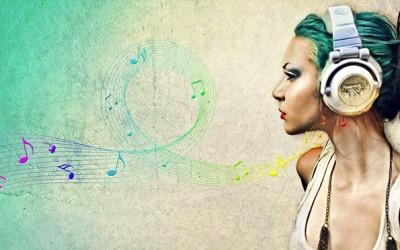 Едночасовен музички сет со најдобрите хитови од 2013-та