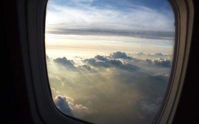 27 причини зошто секогаш треба да барате седиште до прозор