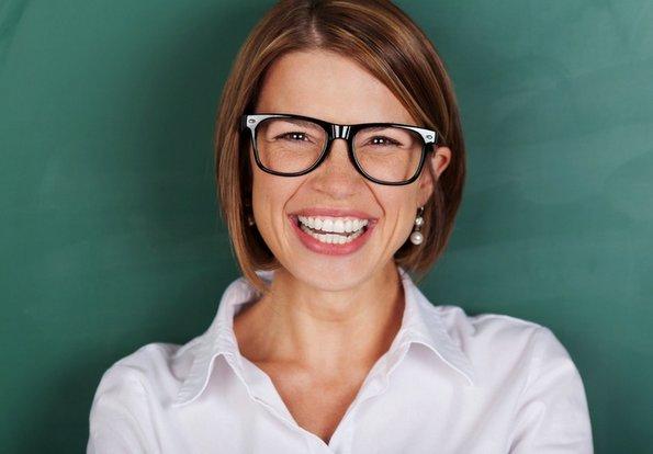 Зошто оние кои почесто се смеат се попродуктивни од останатите?