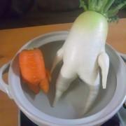 Трупка и морков во џакузи