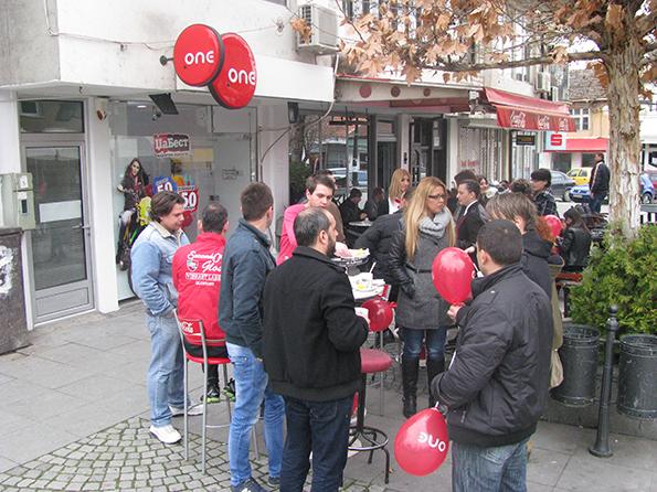 (4) moderen-i-urban-prostor-za-sekoj-posetitel-one-go-otvori-renoviraniot-salon-vo-negotino-kafepauza.mk