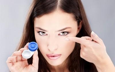 7 златни правила за оние кои носат контактни леќи