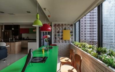 Свеж и разигран дом со детали во јаки бои