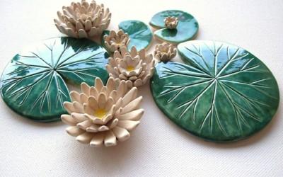 Неверојатни рачно изработени керамички лисја од воден лилјан