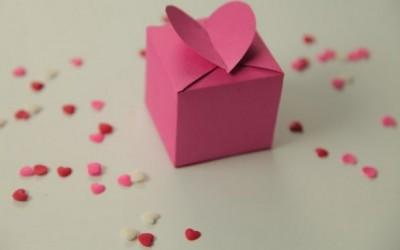 Направете сами романтично кутиче за бонбони