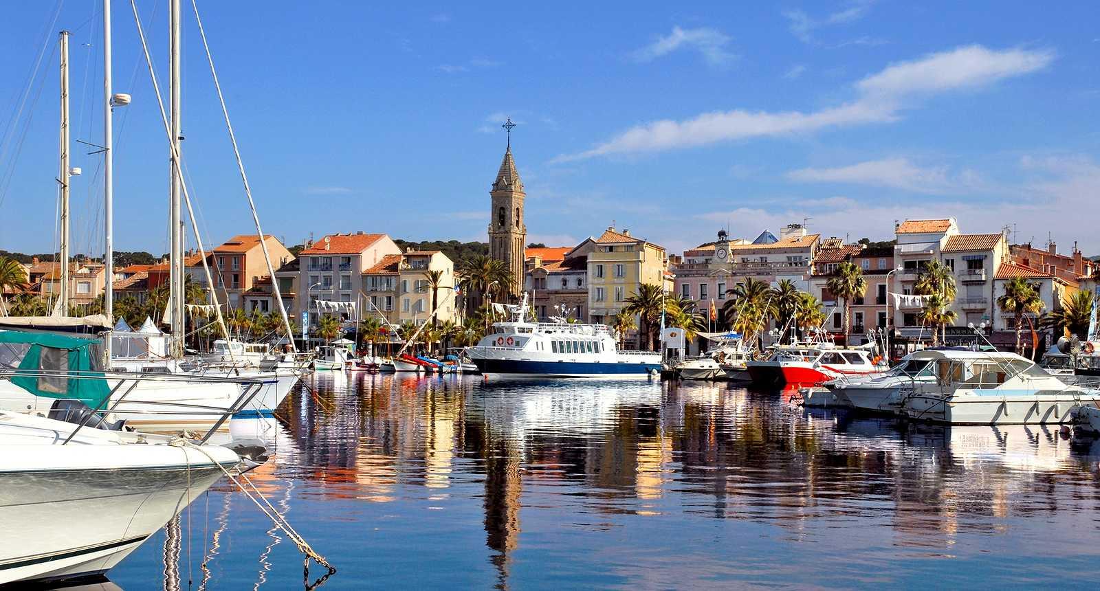 Office tourisme hourtin port maison design - Office du tourisme sanary sur mer ...