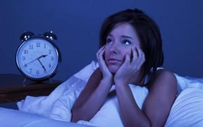 14 причини зошто не можеме да заспиеме навечер