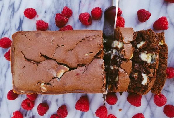 (1) neodolivo-vkusen-chokoladen-leb-kakov-shto-dosega-nemate-probano-kafepauza.mk