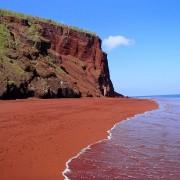 Плажата со црвен песок во Рабида, Галапагос (1)