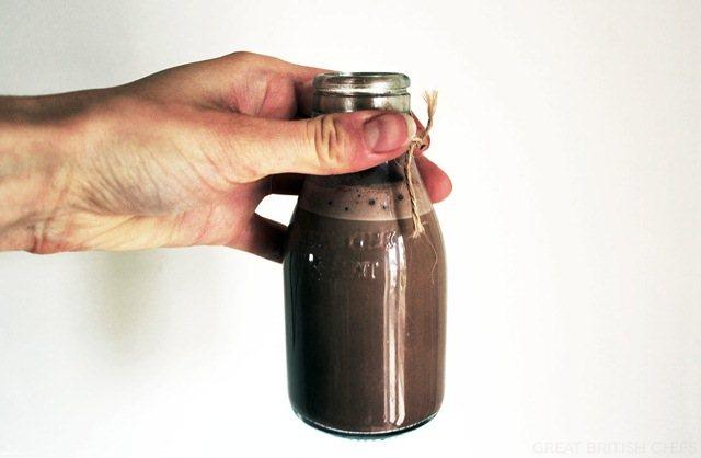 1-milkshejk-od-kafe-chokolado-i-bademi-kafepauza.mk