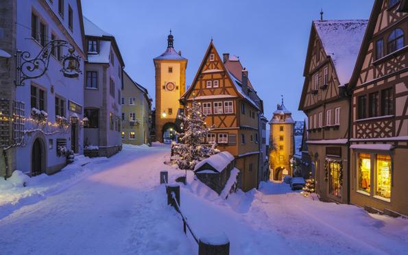 Прекрасни и сликовити зимски градови ширум светот
