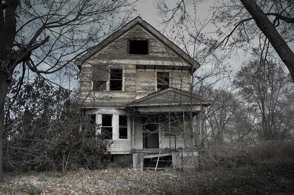 Приказната зад Сојер куќата е дека откако родители се самоубиле истовремено, четирите деца продолжиле да живеат сами во куќата повеќе од десет години.