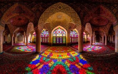 Величествените тавани на џамиите - уметност која хипнотизира