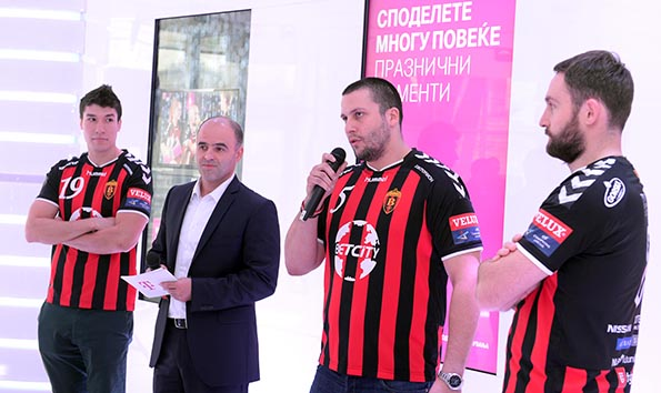 2-novogodishni-ponudi-na-makedonski-telekom-i-t-mobile-makedonija-so-rk-vardar-kafepauza.mk