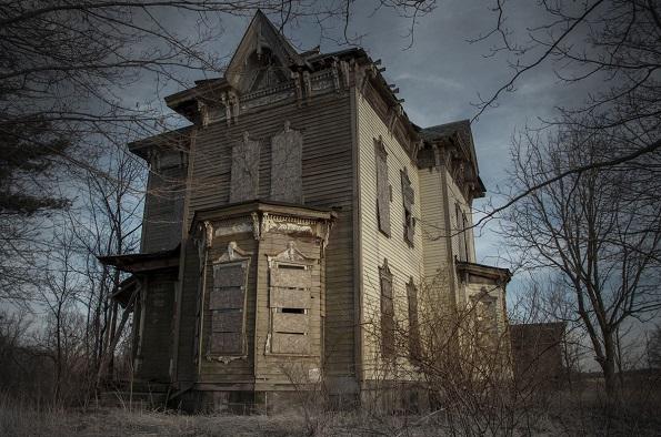 Куќата Нова (Јонгстоун, Охајо) е местото каде Бенџамин Олбрајт несакајќи го застрелал својот син, за потоа во 1958 година да ја убие жена си и себе поради грижа на совест.