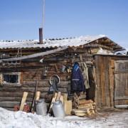 Дрвена штала за чување коњи