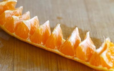 Цел живот погрешно сте ги лупеле портокалите