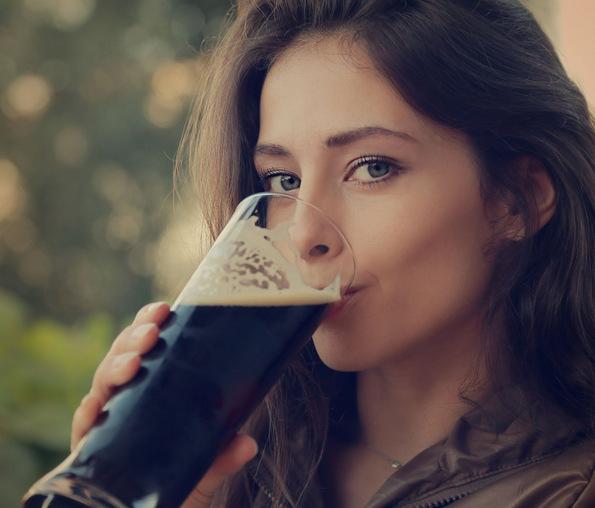Неколку причини зошто жените би требало да пијат пиво