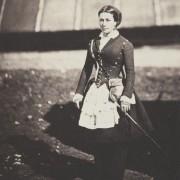 Фотографија на Роџер Фентон, Пејачка - солен принт на хартија добиен од стаклен негатив (1855 година)