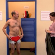 Кога ќе сфатите дека веќе немате чиста долна облека, а многу ви треба
