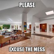 Кога го одложувате чистењето дома и баш тогаш ви доаѓаат ненајавени гости