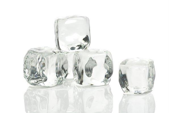 Еве што ќе ви се случи ако ставите коцка мраз на овој дел од вашата глава